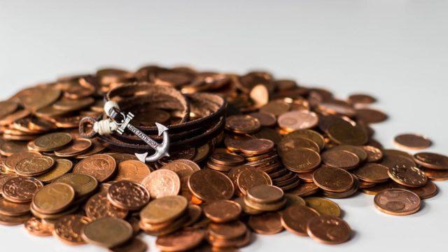 山盛りのコイン